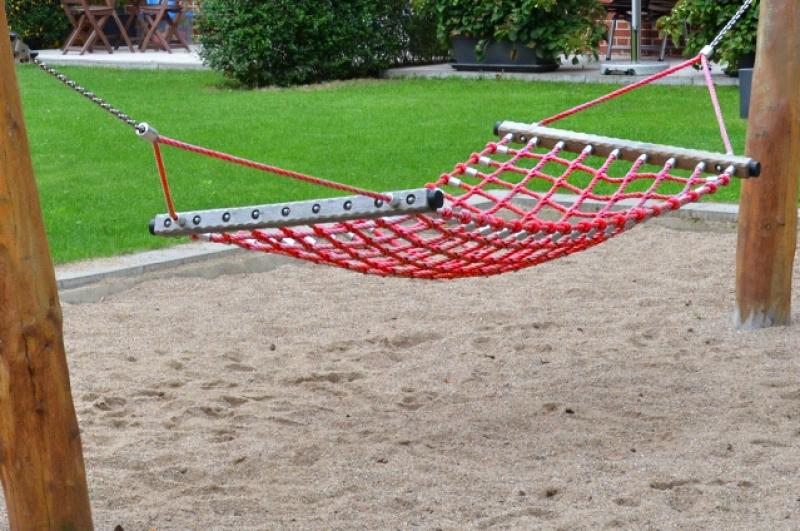 Playground Hammock E Beckmann En
